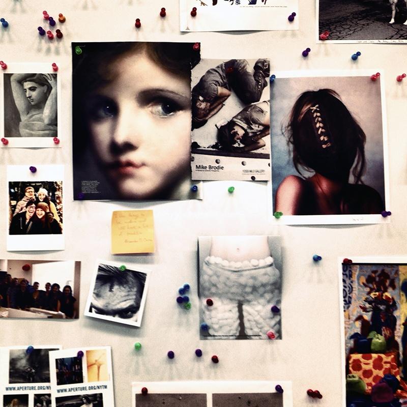 New York, 2013. Un dettaglio dell'ufficio della photoeditor Kathy Ryan al New York Times Magazine. Ph. Irene Alison